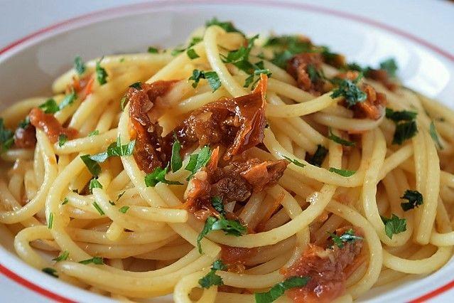Spaghetti con il capuliatu ricetta della Tenuta Iemolo